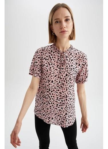 DeFacto Desenli Yaka Bağlama Detaylı Kısa Kol Bluz Pembe